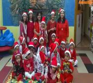 kindergarten-playschool-celebrating-christmas-08