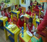 kindergarten-playschool-celebrating-christmas-10