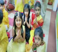 montessori-playschool-celebrating-saraswati-puja-in-kolkata-01