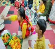 montessori-playschool-celebrating-saraswati-puja-in-kolkata-06