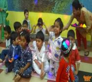 best-playschool-creche-in-kolkata-playing-holi-02