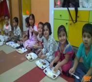 best-playschool-creche-in-kolkata-playing-holi-14